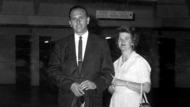 president monson with wife b